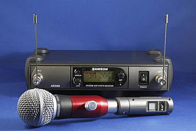 BlowsMeAway Productions wireless system for harmonica microphones